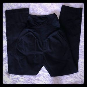 NWOT Old Navy Black Maternity Pants 2 Short